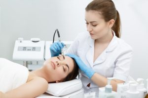 What is the Difference between a Fire and Ice Facial, SilkPeel®, and a Chemical Peel